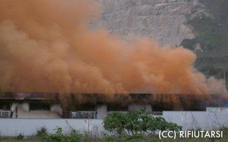 Incendio fabbrica razzi di segnalazione a Polvica di Nola